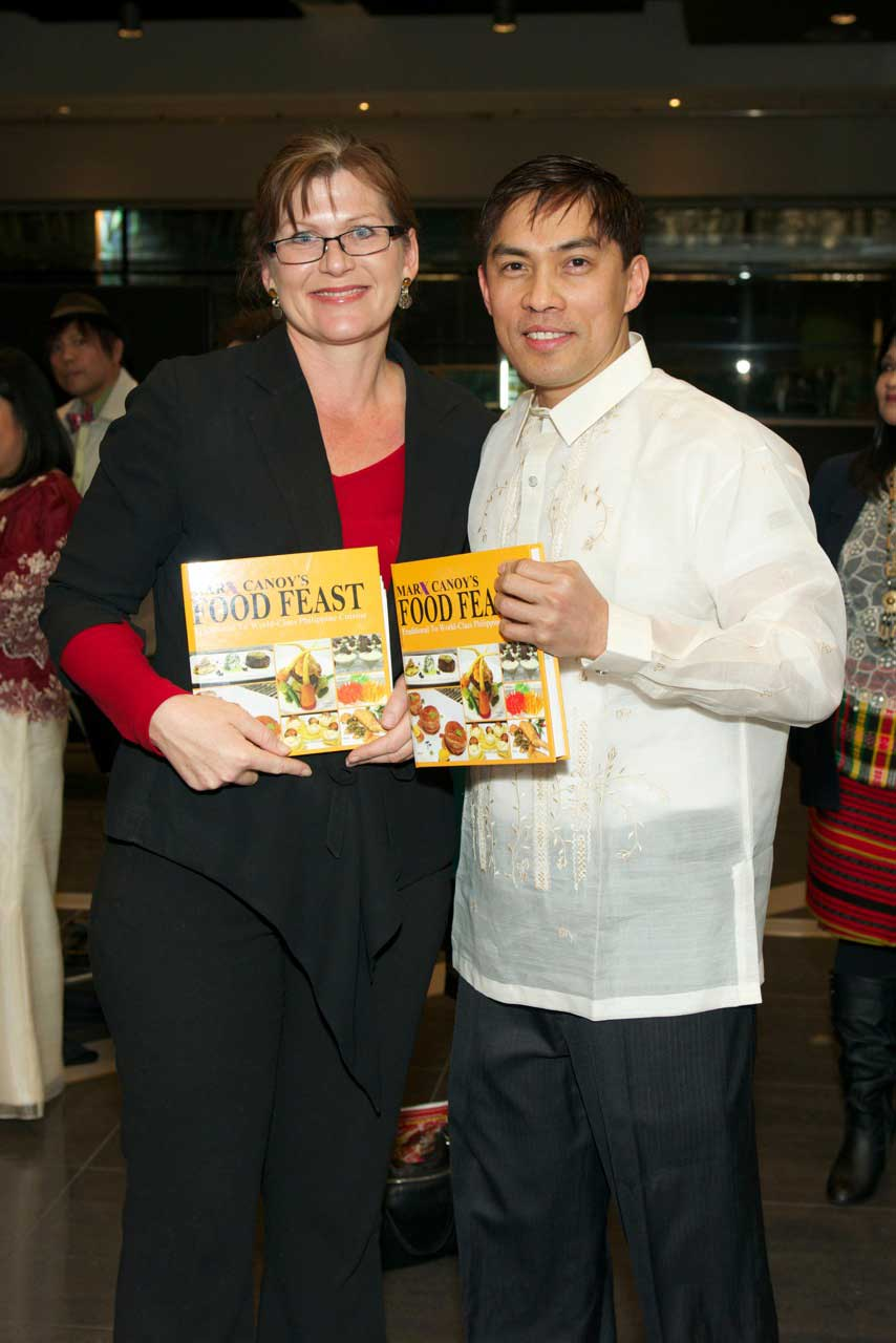 Cookbook chef Marx Canoy with Senator Kate Lundy